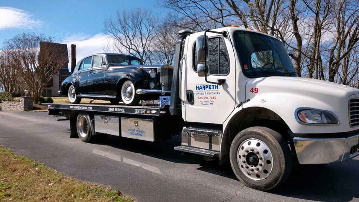 Antique Car Hauling Franklin TN